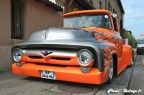 Pickup Ford F100 Custom et Chevrolet Camaro