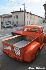 Pickup Ford F100 custom et Chevrolet Camaro 08