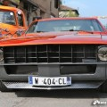 Pickup Ford F100 custom et Chevrolet Camaro 12